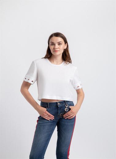 Rue Kolları Nakış Kuş Gözü Ve Kurdela Detaylı T-Shirt Beyaz